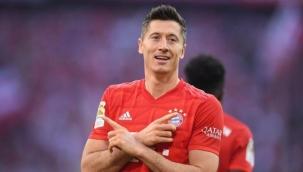 Yılın en iyi futbolcusu Bayern Münih'li Robert Lewandowski oldu