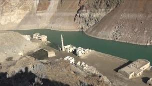 Baraj suları çekilince Narlık köyü ortaya çıktı