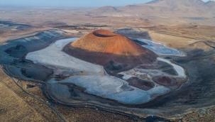 Dünya'nın nazar boncuğu' olarak bilinen Meke Gölü, kuraklık nedeniyle haritadan silinme noktasına geldi
