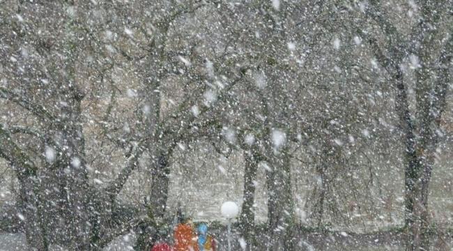Meteorolojiden yeni uyarı: Yoğun kar yağışı ve fırtınaya dikkat!