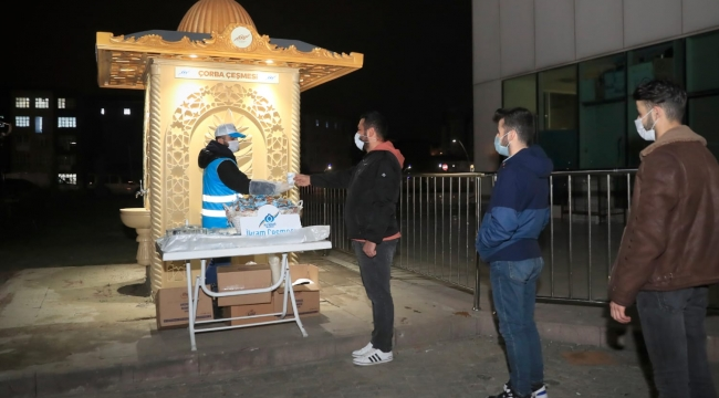 Sağlıkçılar ve hasta yakınları için sıcak çorba Sultangazi belediyesinden