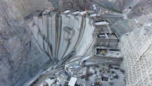 Yusufeli Barajı'nın inşaatında 4 milyon metreküplük beton kullanılarak rekor kırıldı