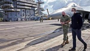 Kiryakos Miçotakis, Girit'te ABD uçak gemisini ziyaret etti
