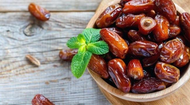 Hurmanın faydaları nelerdir? Şifalı yiyecek hurmanın yararları ve besin değerleri tablosu