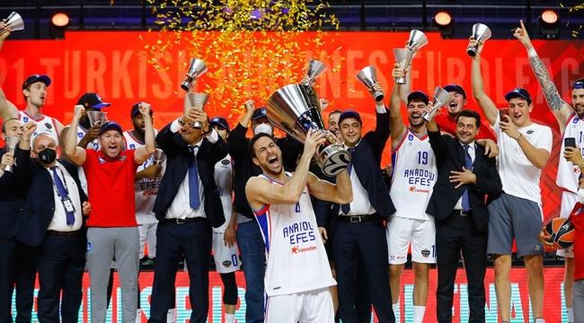 Euroleague finalinde Anadolu Efes, Barcelona'yı 86-81 yenerek şampiyonluğa ulaştı