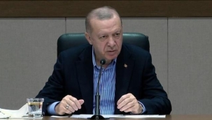 Havalimanında soruları cevaplayan Cumhurbaşkanı Erdoğan gazetecilere sitem etti: Bugün sizleri pek heyecanlı görmüyorum