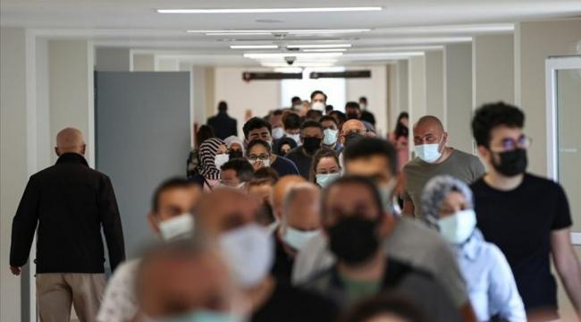 İstanbullular müjde: Maskelerin çıkacağı tarih açıklandı
