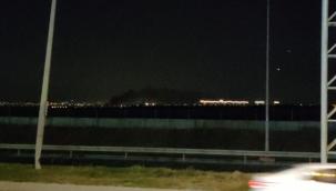 İkitellide fabrika yangını İstanbul un tüm ilçelerinden itfaiye sevk edildi