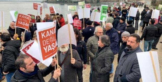 Kanal İstanbul'a tepki gösterenler el ele verip zincir oluşturdu